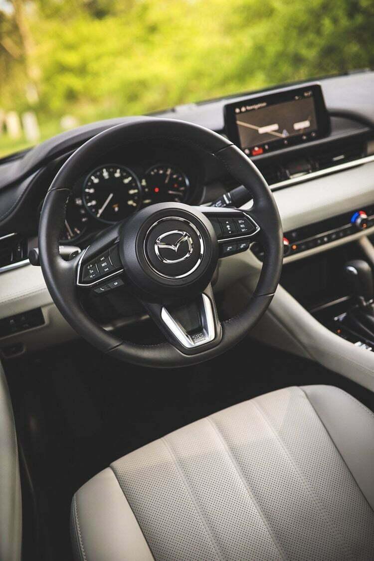 """Công nghệ Skyactiv ra đời mang đến cho Mazda thêm nhiều tiếng vang và giúp hãng dành được giải thưởng """"Công nghệ của năm 2012""""."""