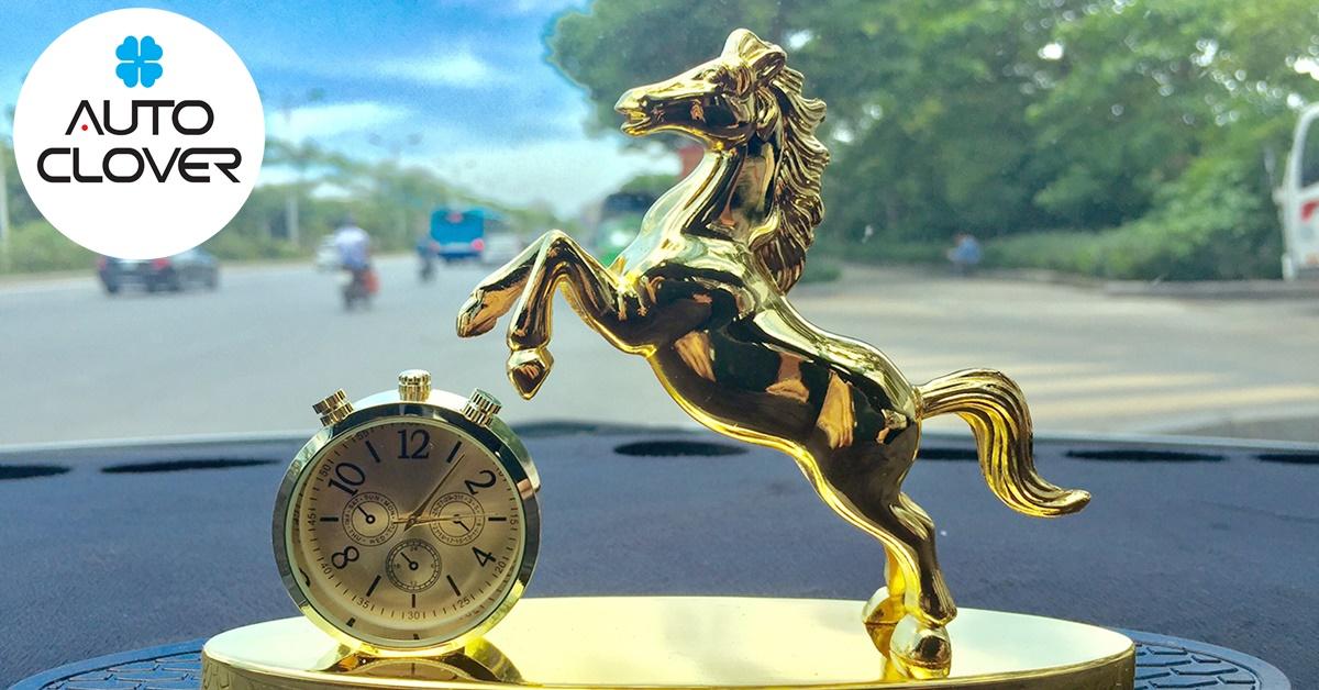 Tượng ngựa để trên xe ô tô vô cùng sang trọng và mang lại thành công