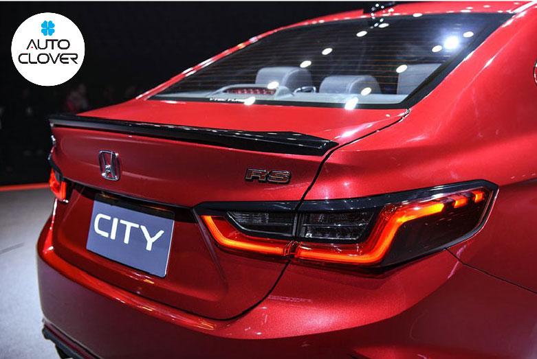 Để phù hợp với giá bán Honda CIty 2021, hãng đã bỏ qua các thay đổi lớn ở đuôi xe để tập trung vào các tính năng khác.